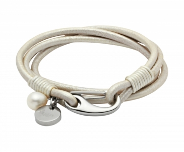 Ladies leather bracelet