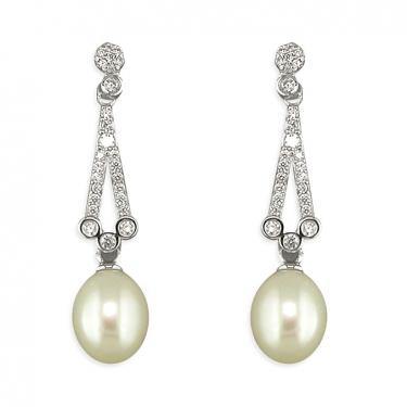 Silver & freshwater pearl earrings