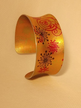 hancrafted bangle